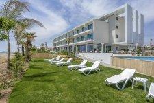 Отель Lebay Beach Hotel 4*