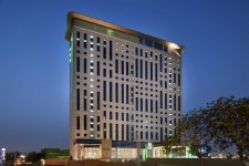 Отель Holiday Inn Dubai Festival City 4*