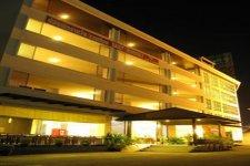 Отель Lee Garden Resort 3*