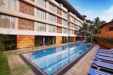 Отель Red Fox Hotel 4*