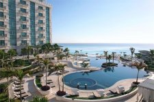 Отель Sandos Cancun Luxury Experience 5*