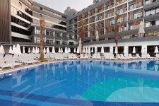 Отель The Raga Side 5*