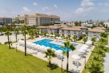 Отель Crystal Boutique Beach Resort 5*