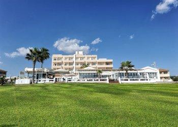 Piere - Anne Beach Hotel