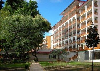 Estreya Residence