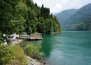Достопримечательности Абхазии: озера, водопады, пещеры, архитектурные сооружения