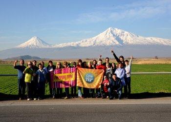Контрасты весенней Армении