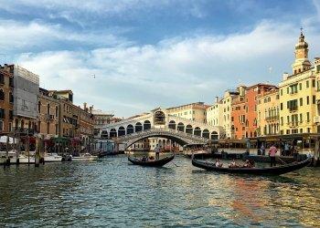 Как туристу вести себя в Венеции