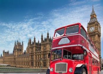 Великобритания упрощает визовые формальности